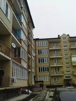 Ессентуки, мкр прибрежный, 2-комн. кв-ра с ремонтом 74кв м, 3/5 этажного дома, , счетчики , сан - По..., фото 1